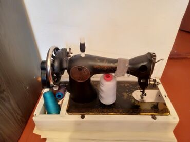 Швейный механик - Кыргызстан: Продаю швейную машинку подольск