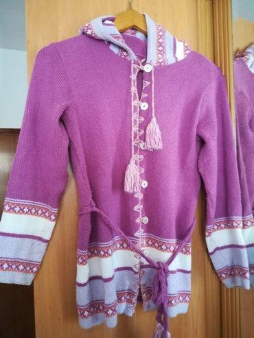 Ostala dečija odeća   Vranje: Duži džemper boja ciklame sa kapuljačom idealan za proleće, vel 12