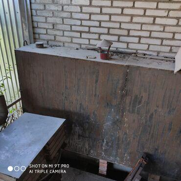 Бочка-для-молока - Кыргызстан: Продаю металлическую емкость из под дизтоплива, размер: длина 249