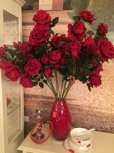 Ваза с розами-шикарный интерьер.-ваза +ветки роз (13 шт) в Бишкек