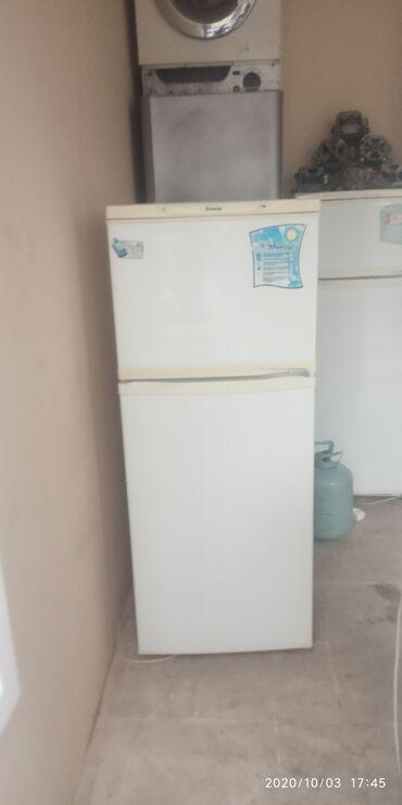 Электроника - Сарай: Б/у Двухкамерный Белый холодильник