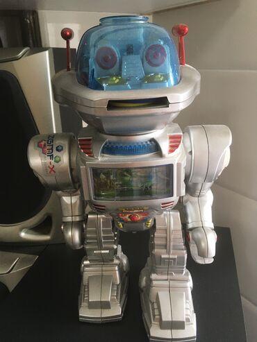музыкальные диски в Кыргызстан: Продаю музыкальный робот с пультом ! Функции : двигается, светится и с
