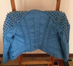 Продаю куртку для девочки 9-10 лет: - под кожу с шипами 3000 с. в Бишкек