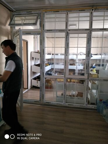 разбит экран телевизора ремонт цена в Кыргызстан: Окна, Двери, Подоконники | Установка, Изготовление, Обслуживание | Больше 6 лет опыта