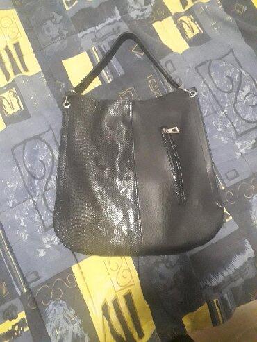 Elegantne majice - Backa Topola: Crna torba kao nova, veoma ocuvana. Sve sto vas zanima pitajte