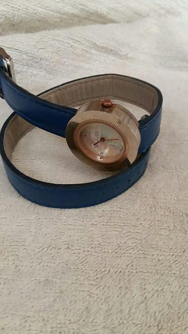 часы все цвета в Кыргызстан: Часы женские.бренд hermes.под желтое золото.ремешок синего