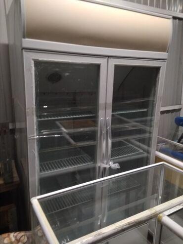 Продаю торговое оборудование для магазина холодильники витринные 2шт