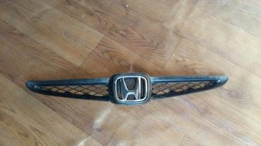 Продаю решетку от Хонды Фит 800 сом в Бишкек