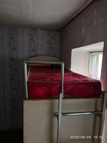 компьютеры за 5000 в Кыргызстан: Продаю компьютерный стол 3 в 1. Сверху кровать с матрасом односпальная