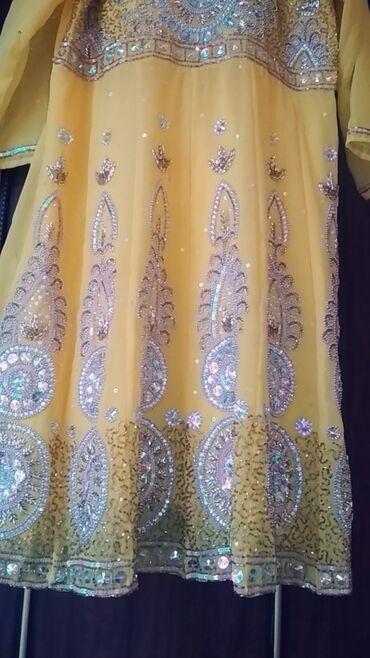 Платья - Джалал-Абад: Одето на 15 мин индийское сари почти новое ручная работа полностью в