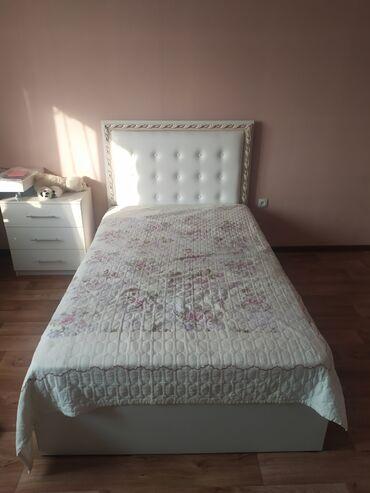 Продаю очень хорошую кровать ручной работы с матрацом 20см