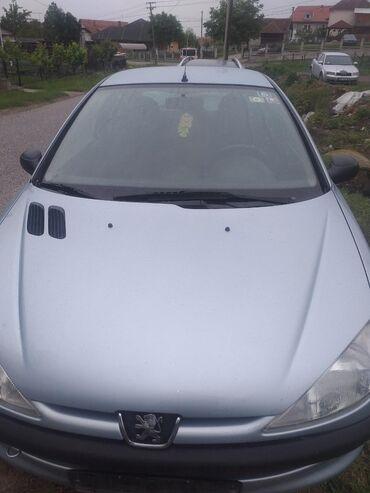   Lazarevac: Peugeot 206 1.4 l. 2001   20300 km