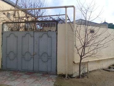 Bakı şəhərində Bineqedi qesebesinde 3 otaqli heyet evi satilir