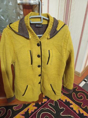 Б/У Турецкий джемпер, шерсть, съёмные рукава и капюшон