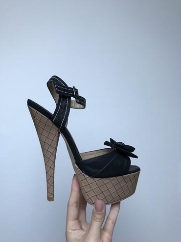Sandale na visoku štiklu. Nošene jednom. Veličina:36. Platforma: 4 - Ub