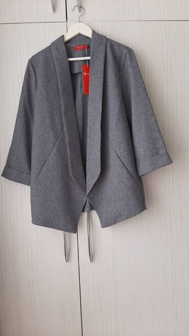 женские куртки в бишкеке в Кыргызстан: Пиджак серого цвета. Размер 46-48