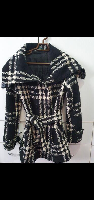 Beli crno - Srbija: Crno beli kaput kao pepito M