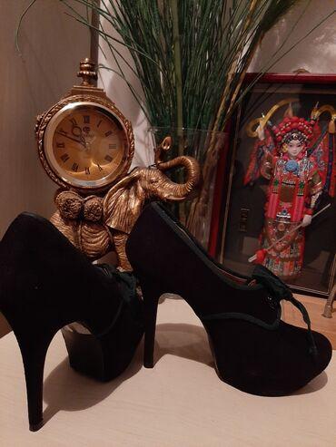Продаю очень хорошие туфли . За 1200 корупала за 2800 состояние