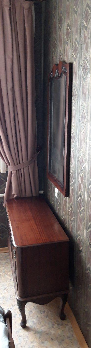 туалетный столик с зеркалом бишкек в Кыргызстан: Продаю туалетный столик с зеркалом . Мебель отделана инкрустацией. В