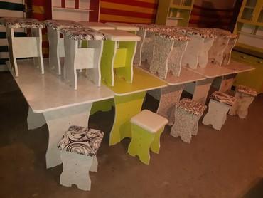 Продаю обеденный стол 4шт табуретки 3000 сом в бишкеки доставка в Бишкек