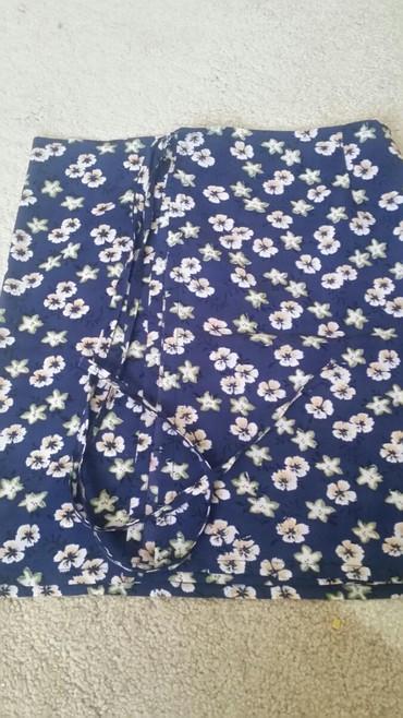 Suknja cvetna na preklop.Veoma je lepa - Pirot