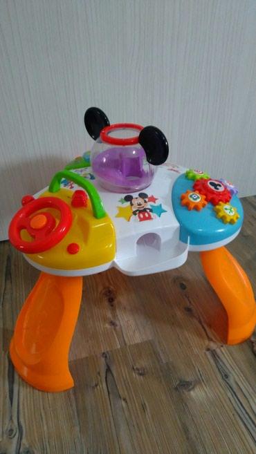Bebi play stolic marke Pertini, novo, placen 8000din,dobili dva - Subotica