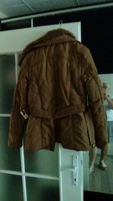 Potpuno nova zimska jakna, kraća, nošena mesec, dva, krzno sa kragne - Smederevo