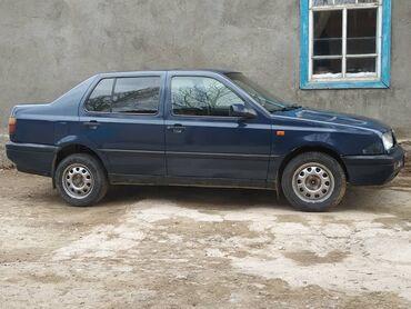 Volkswagen - Бишкек: Volkswagen Vento 2 л. 1993