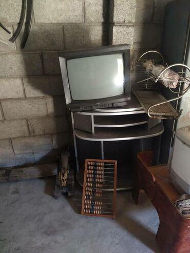 Цена за все; телевизор, подставка, ресивер. Цена за все