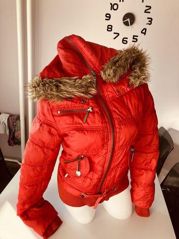 Zimska jakna sa krznom - Srbija: Jakna zimska . Ima postavu . Samo 999 dinara . Ima kapuljacu koja je