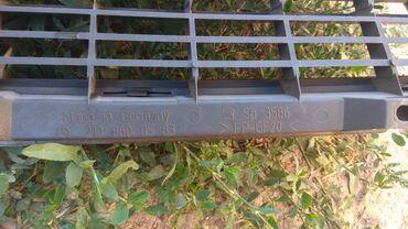 Решетка радиатора.мерс 210