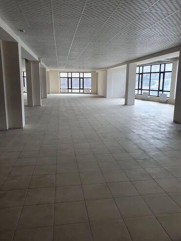 Коммерческая недвижимость - Кыргызстан: Сдаю помещение 650 кВ м