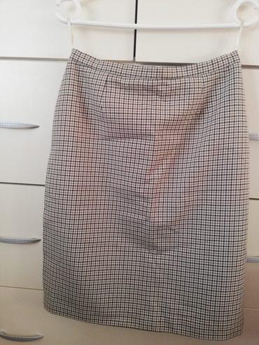 Suknja-duzina - Srbija: Suknja, veličine 40,poluobim 35cm,duzina 58cm