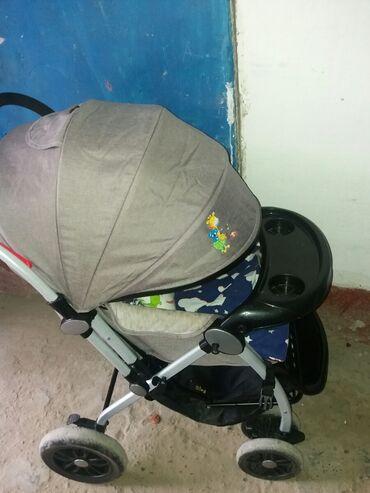 Детский мир - Балыкчы: Удобнаяпросторная коляска. Пользовались 2месяца. Есть торг. Есть