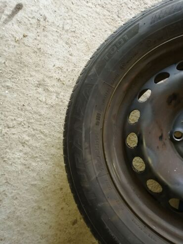 Pre - Srbija: Na prodaju 4 letnje gume sa celicnim felnama, sara preko
