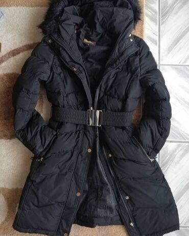 Jakne zenske - Srbija: Zenska zimska jakna S vel pise. Ali po mom misljenju moze M i blazi L