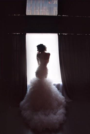 свадебное украшения в Кыргызстан: Свадебное платье)Сшито на заказ. Одето 1 раз (на свадьбу). Обшито