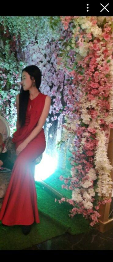 Продаю красное платье русалка Турцияразмер s-m