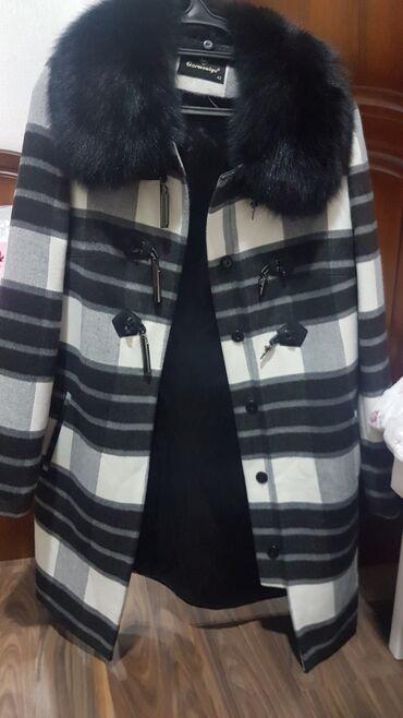 Пальто - Состояние: Новый - Бишкек: Пальто кашмировая Носили один раз 46 размер Реальным клиентам уступлю