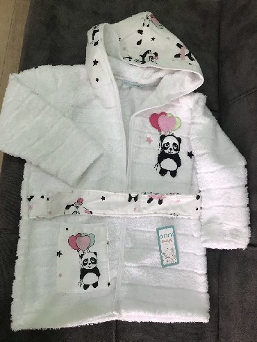 женские трикотажные халаты в Азербайджан: Детский банный халат, для детей возрастом 4 лет. Новые, отличного каче