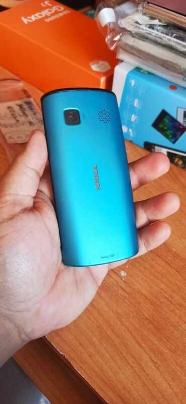 Nokia 500. Symbian OS. 2Gb. 5MP. Tək telefon özü. Barter