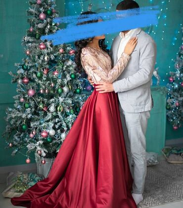 атласное платье со шлейфом в Кыргызстан: Срочно !!!!!Вечернее платье, со шлейфом. Атласный низ.Сидит