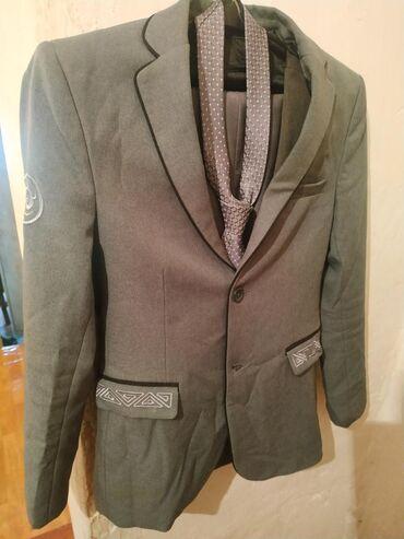 Мужская одежда в Кок-Ой: Костюм, школьная форма 8-9-класс хорошее состояние