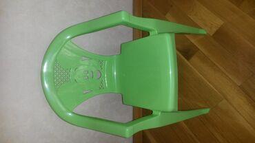 Детский пластиковый стульчик. 6 манат