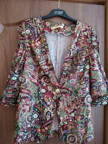 Продаю пиджак материал атлас размер 44-48 подойдёт