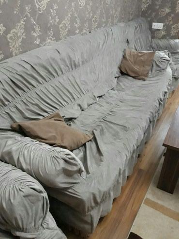Bakı şəhərində Divan uzu turkiyenindi vilurdu cox gozel materali var qiymetinde