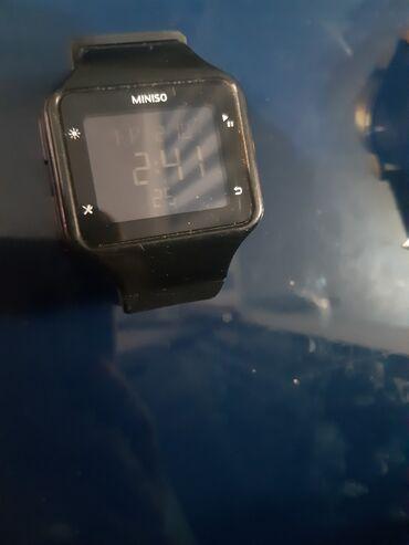 Часы рабочий сос хорошый черный 500сом  золотой за 350сом