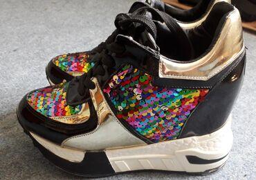 Patika cipela na platformu br 37,kao nove