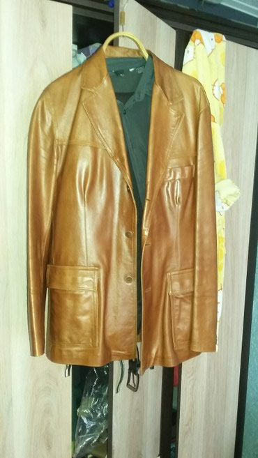 Продаю отличный кожаный пиджак Италия в Каинды