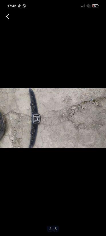Транспорт - Бирдик: Решетка радиатора Хонда Фит, отличное состояние, без трещин, все